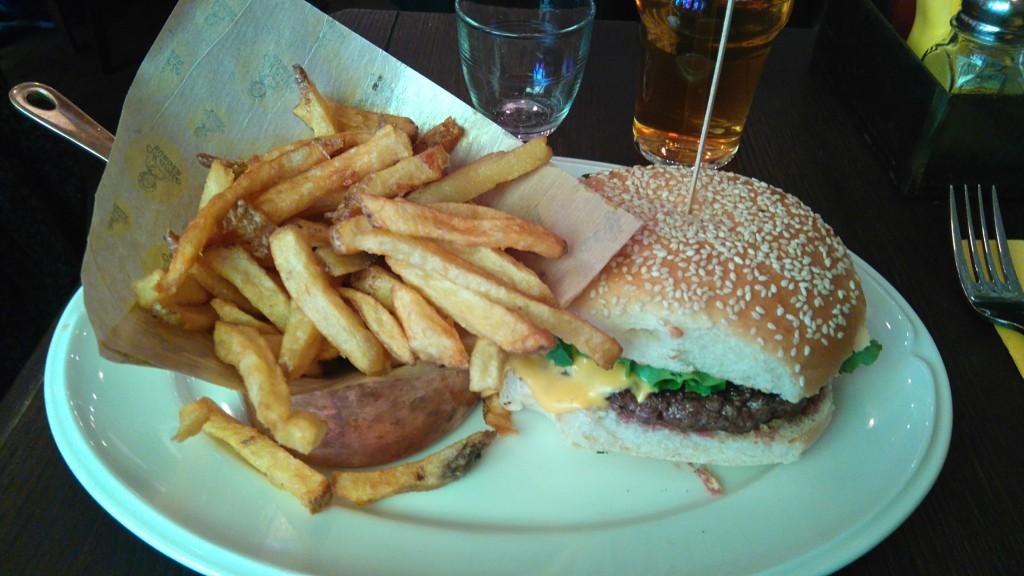 j'ai essayé le Mamie Burger Classic à Paris