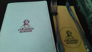 ici les couverts du restaurant Mamie Burger à Paris