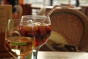 boire une bonne sangria en espagne