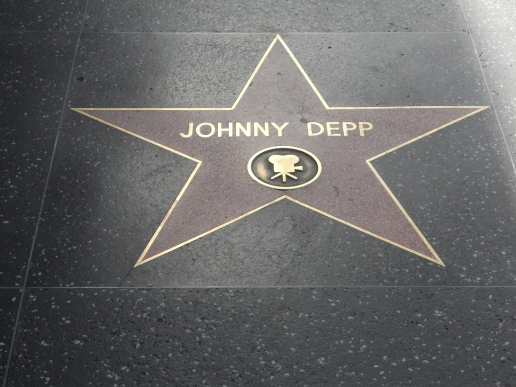 l acteur Johnny Depp a aussi son étoile à Los Angeles