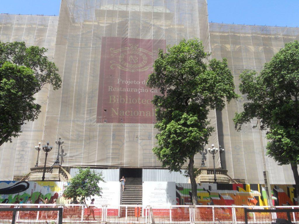 ici la bibliothèque nationale à Rio au Brésil
