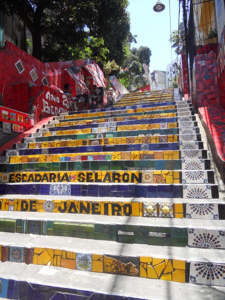 ici l escalier Selaron à Rio