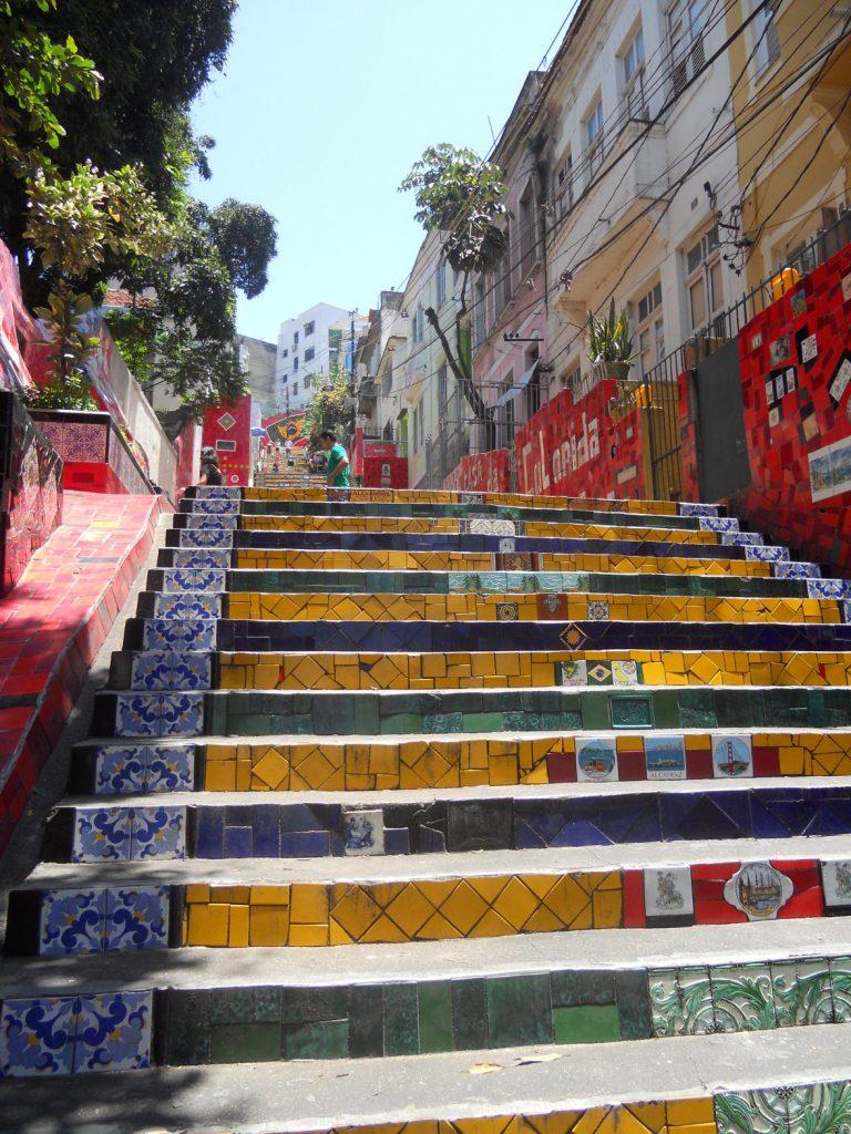ces escaliers sont connus à travers le monde, ils se trouvent à Rio