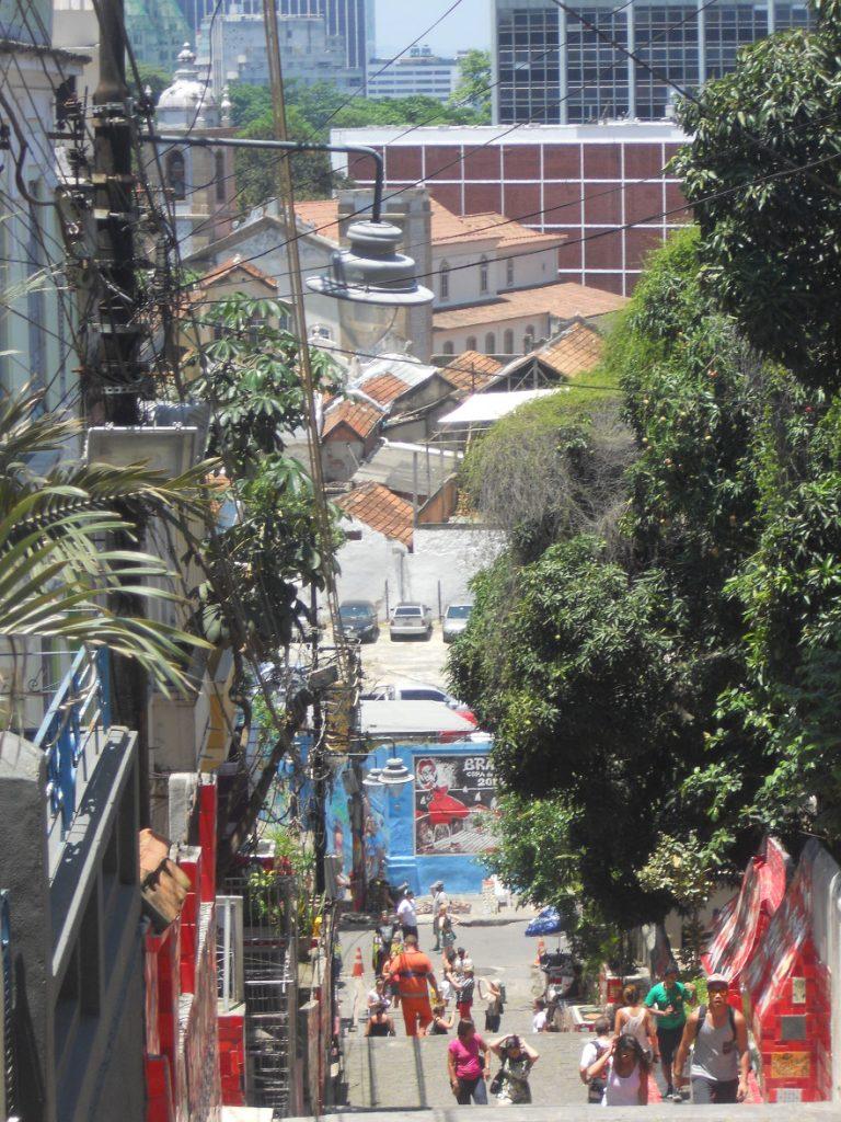 on a une belle vue sur Rio depuis l'escalier Selaron