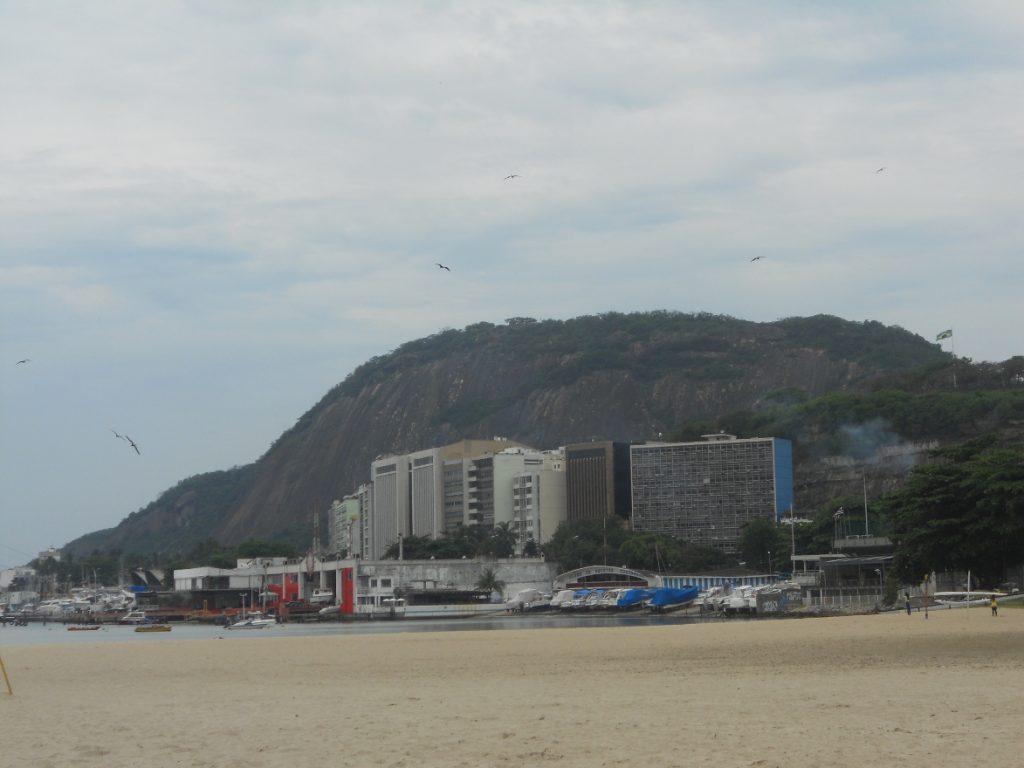 ici une plage brésilienne celle de botafogo