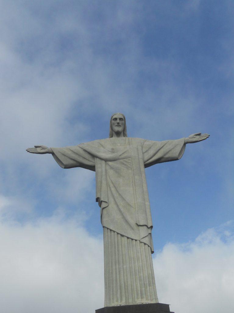 on peut rester des heures à admirer la statue du christ redempteur