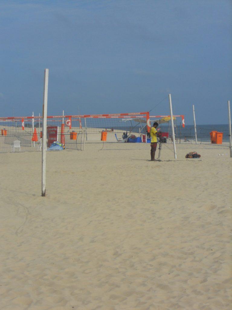 il y a toujours des sportifs sur la plage