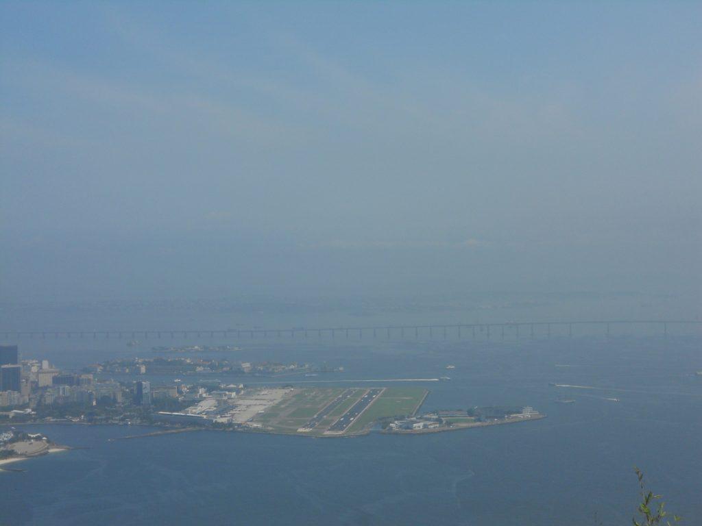 une vue de l'aéroport Santos Dumont à Rio