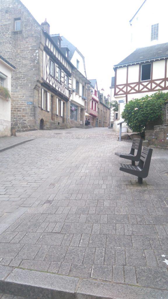 ici les très belles rues de la ville d auray dans le morbilhan