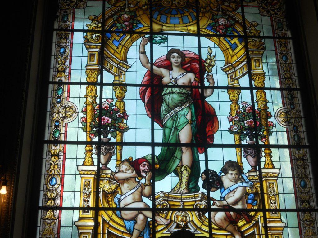 les vitraux du théâtre municipal de rio sont magnifiques