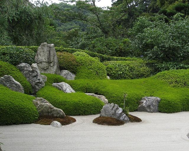 un jardin zen pour apprécier la simplicité