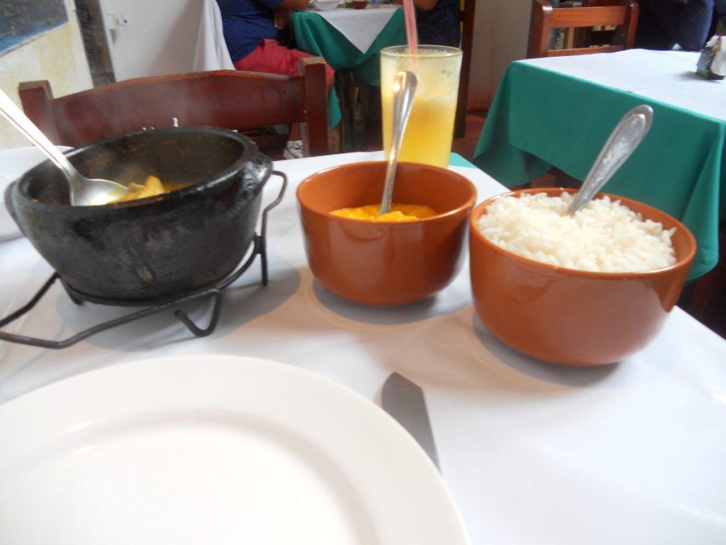 la moqueca poisson est un plat brésilien délicieux