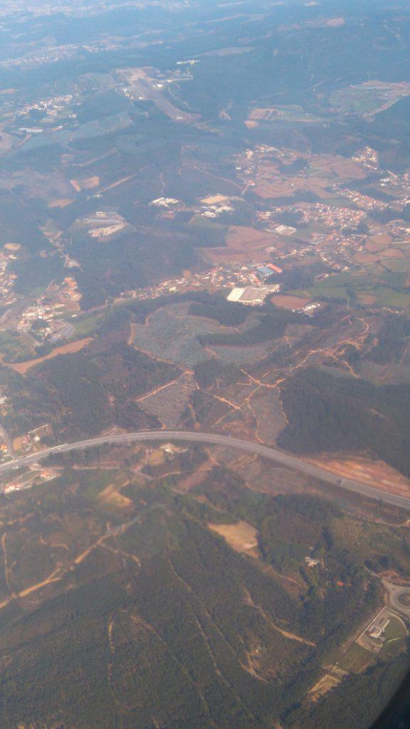 quelle vue aérienne magnifique entre France et Portugal