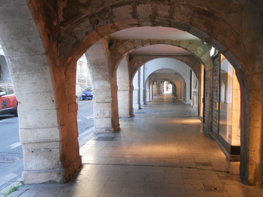le centre ville de la Rochelle est très joli