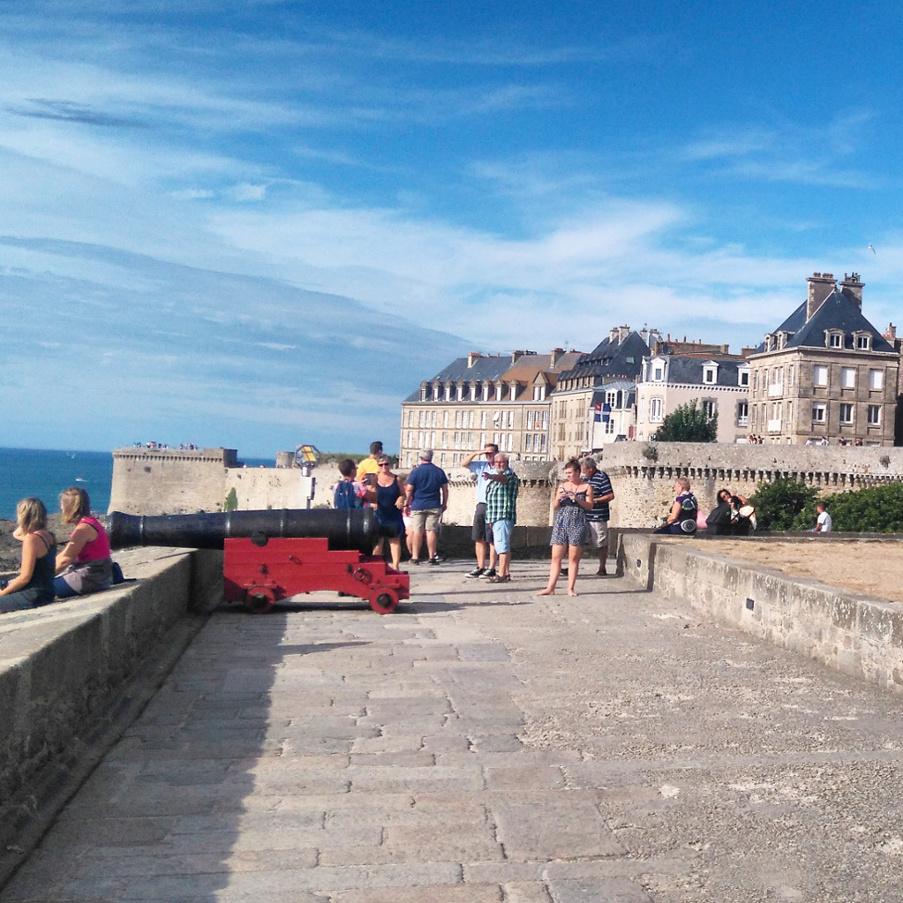 un classique les remparts de Saint Malo