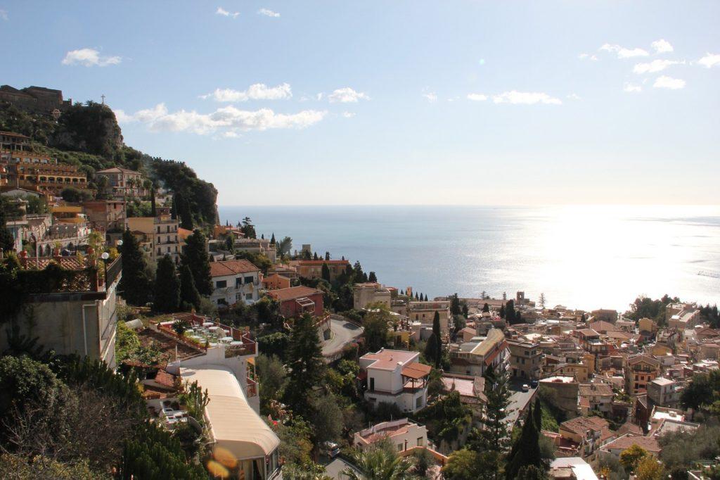 vue magnifique de Taormina