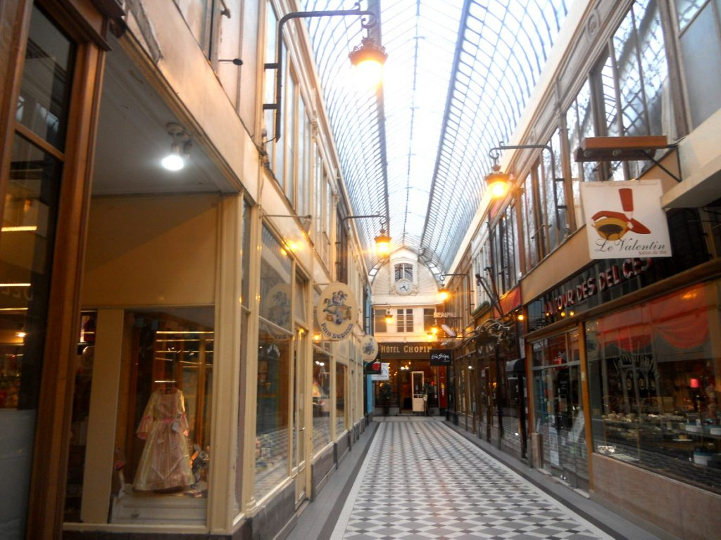 de belles boutiques dans ce passage