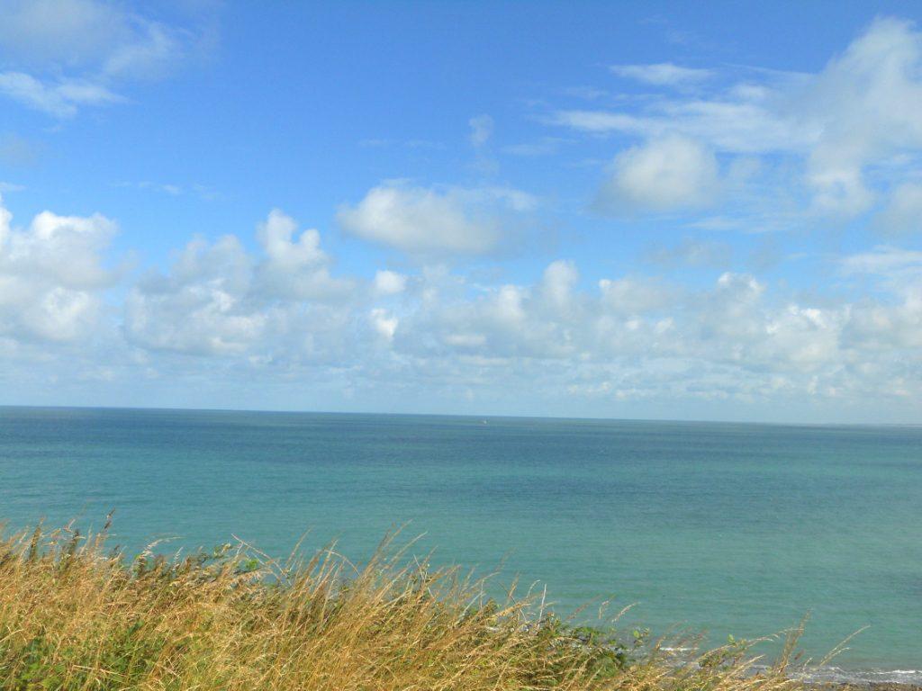 ciel bleu en Normandie