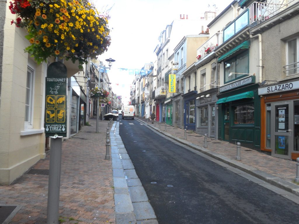 belles rues fleuries de Granville