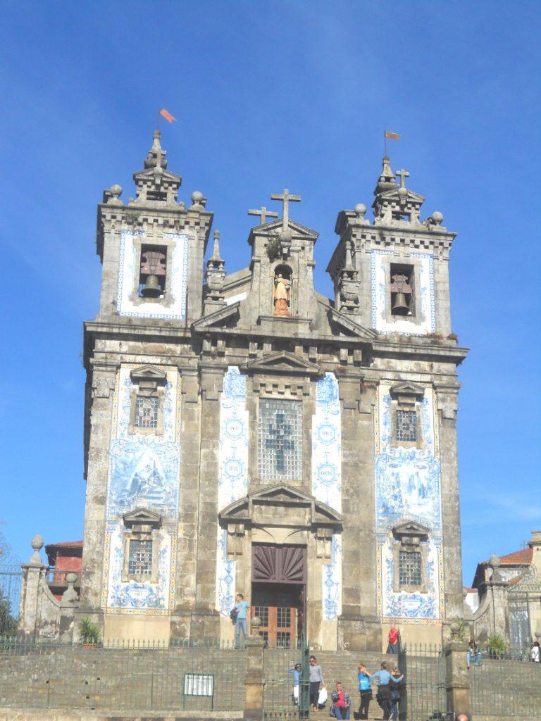 les églises à Porto sont nombreuses