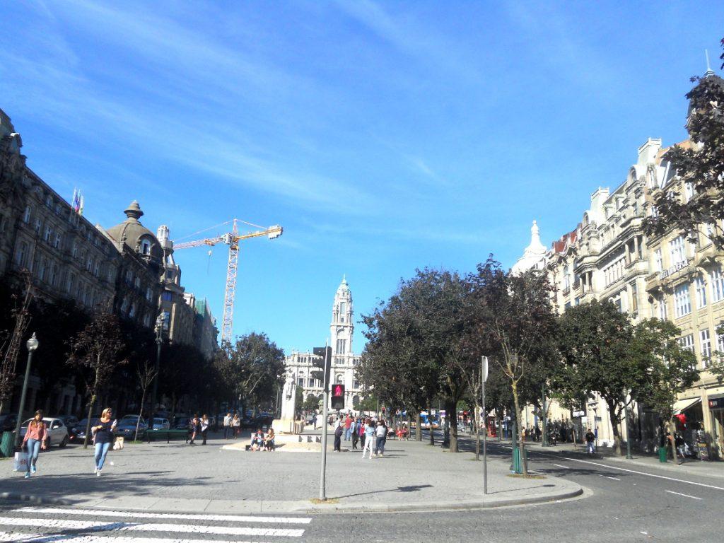 rue de Porto ensoleillée