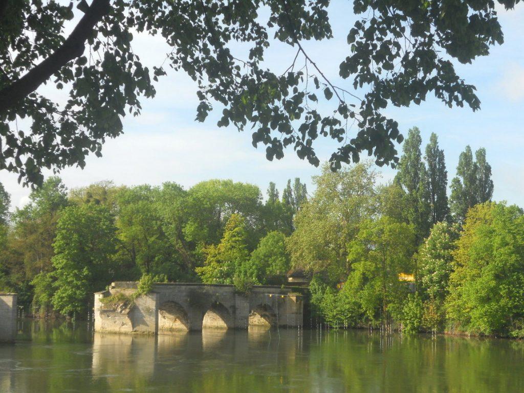 Pont à Mantes La Jolie