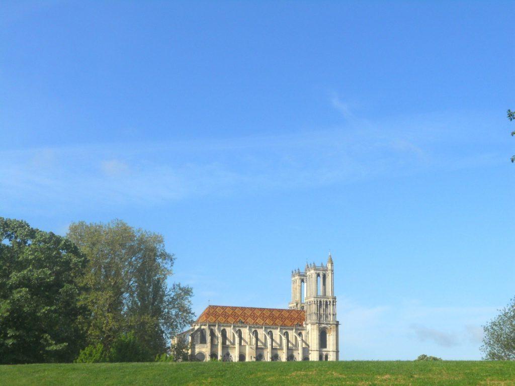 Vue sur Collégiale Notre Dame