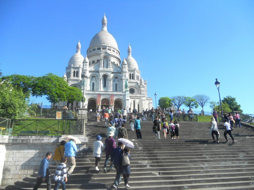 touristes au sacré coeur