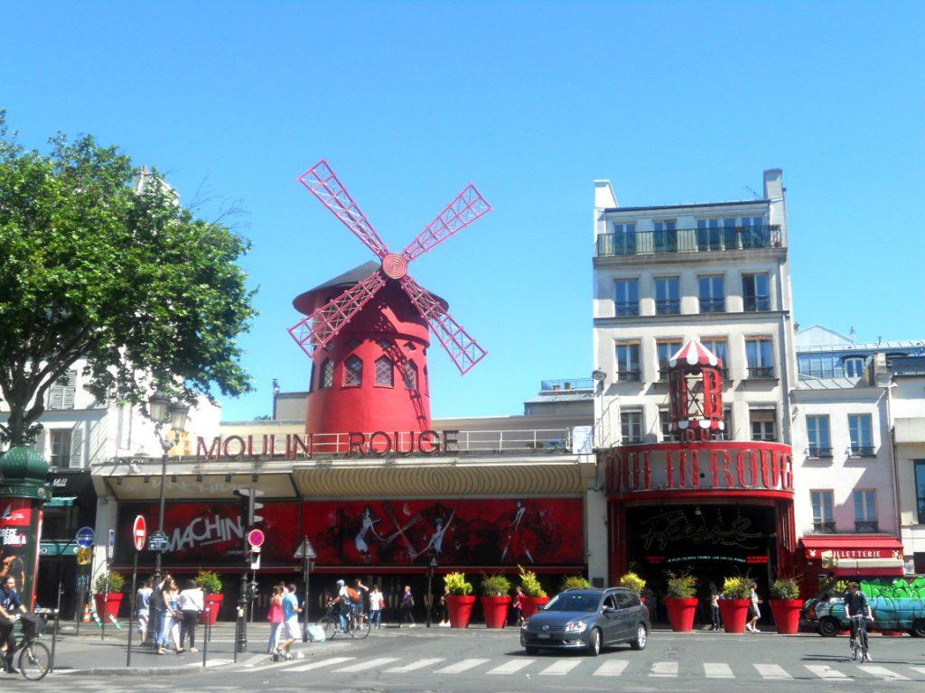 Moulin Rouge célèbre cabaret parisien