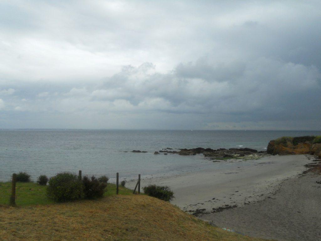 plage jour gris à Groix