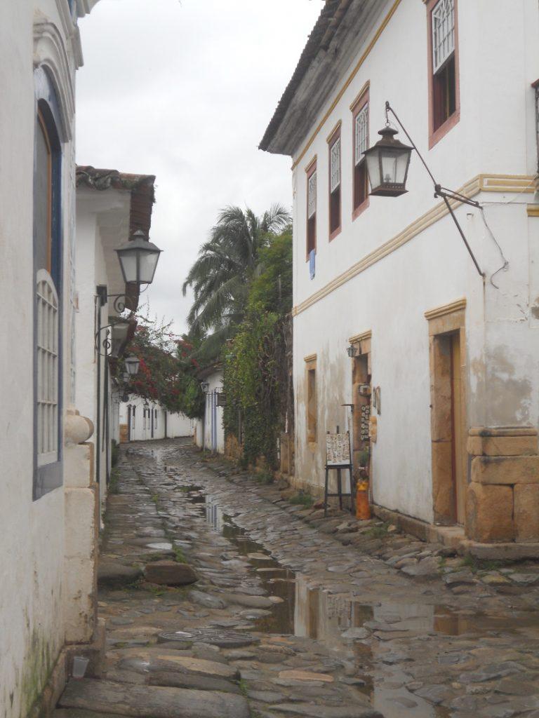rues mouillées de Paraty