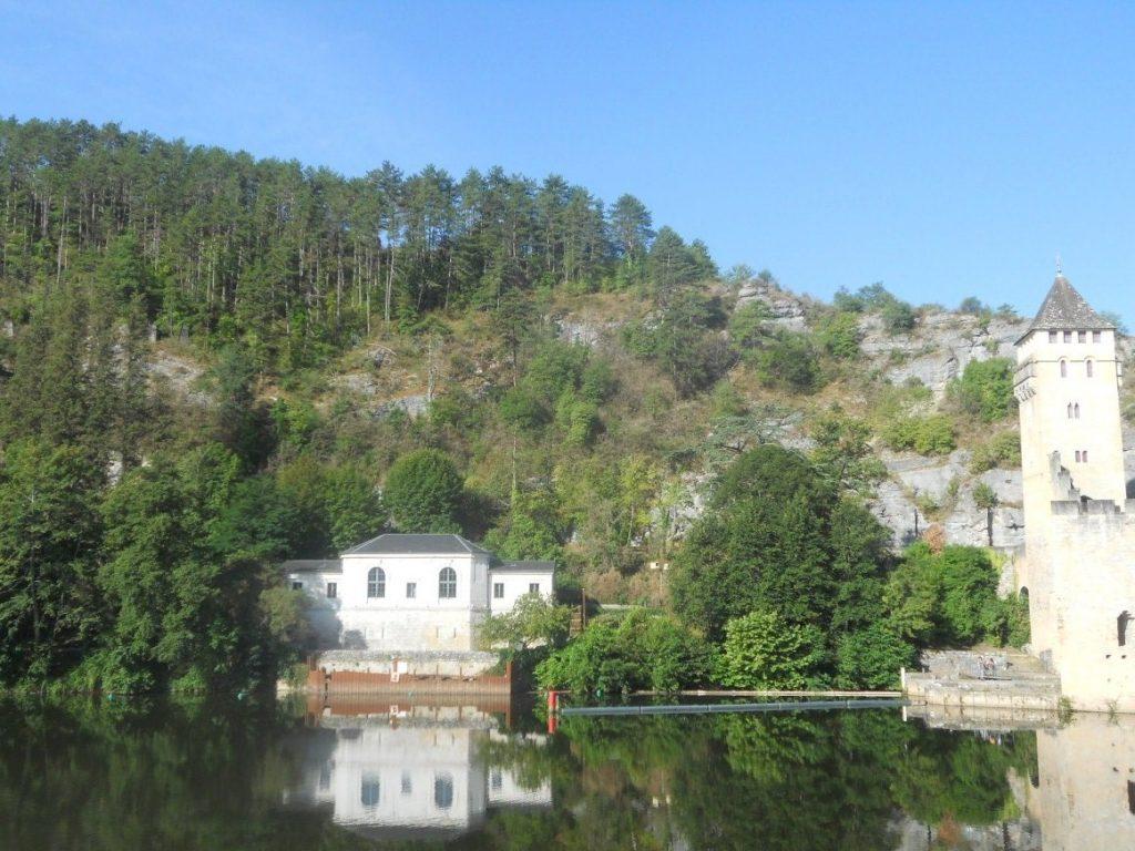 le pont Valentré est incontournable de la ville de Cahors