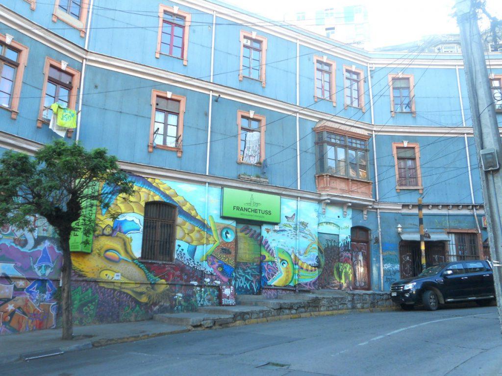 décoiuverte du street art à Valparaiso