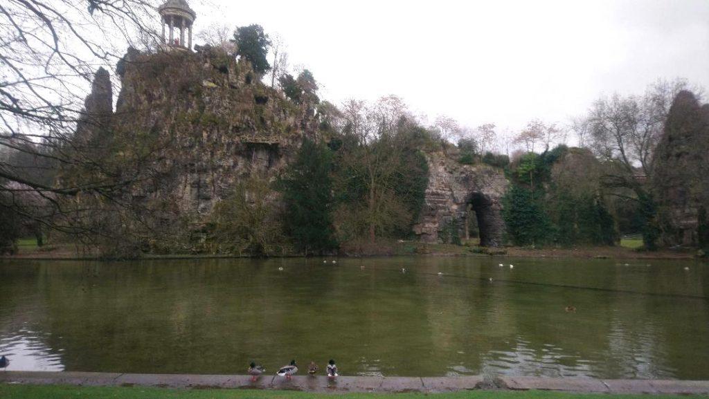 balade au Parc des Buttes Chaumont à Paris