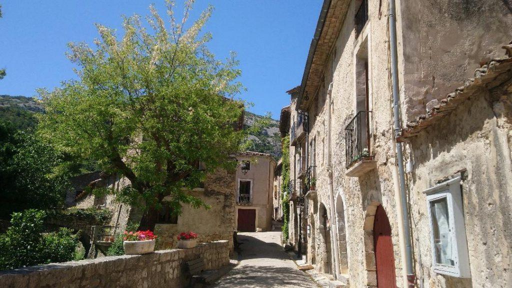 visiter le village de Saint-Guilhem-le-Désert