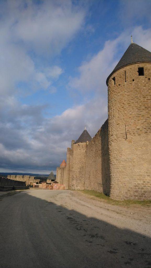 les remparts sont un des incontournables à voir dans la cité médiévale de Carcassonne