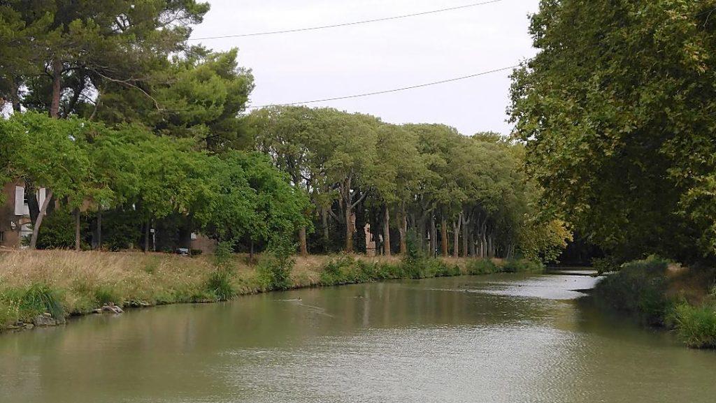 visiter Carcassonne en 2 jours: balade le long du Canal du Midi
