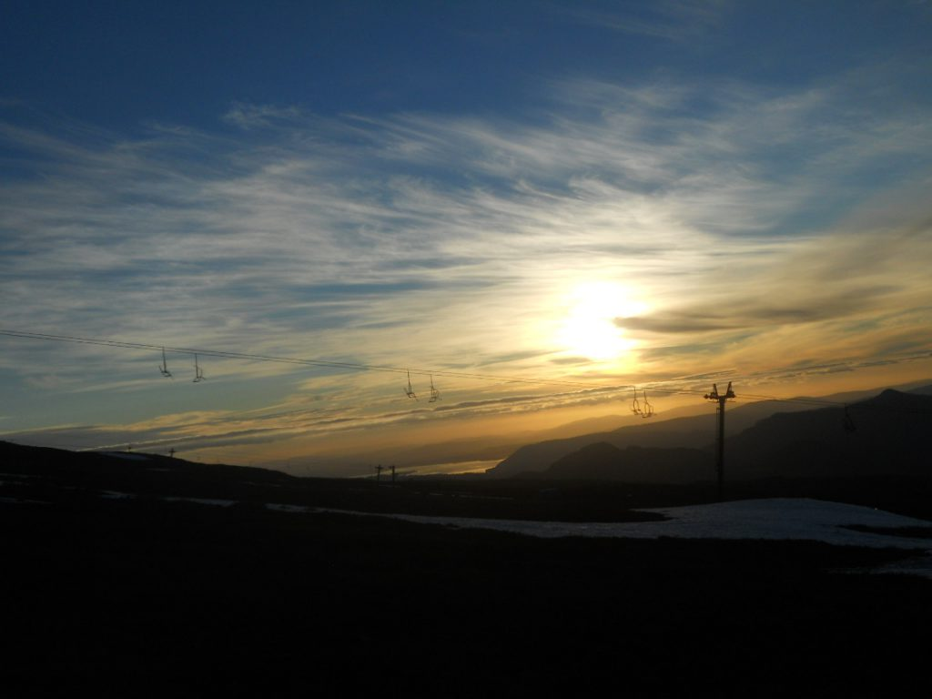 coucher de soleil à la montagne autour de Pucon