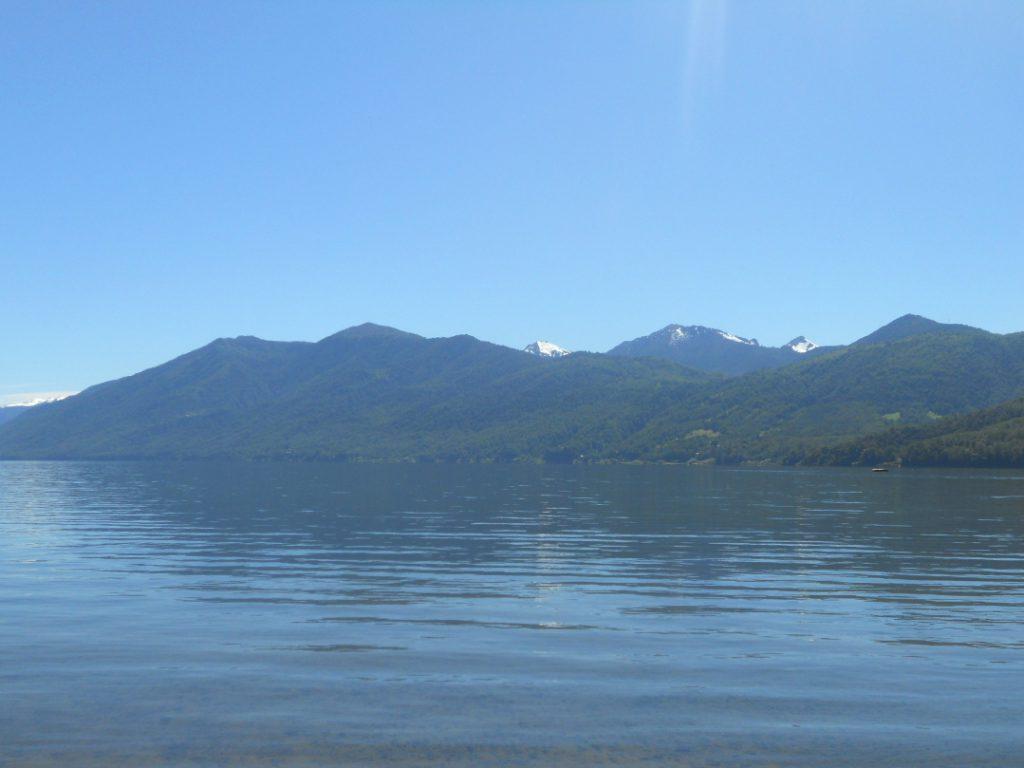 voir le lac de Caburgua autour de Pucon