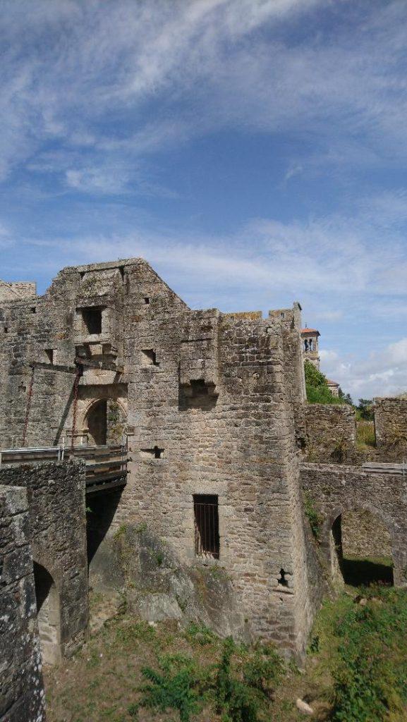 clisson une belle cité médiévale près de Nantes à visiter