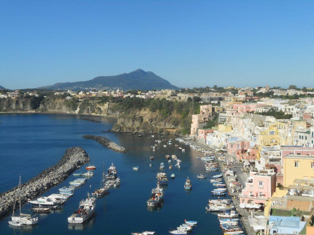 visiter l'île de Procida en Italie