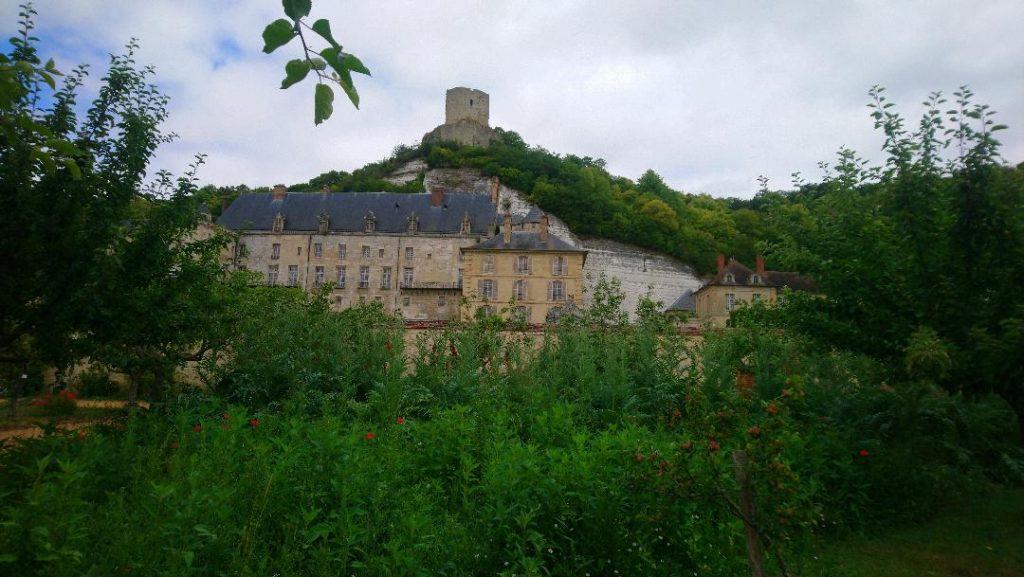 vue du château de la Roche-Guyon un des plus beaux villages de France