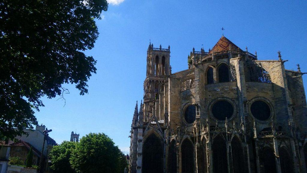 Mantes la Jolie cité médiévale des Yvelines