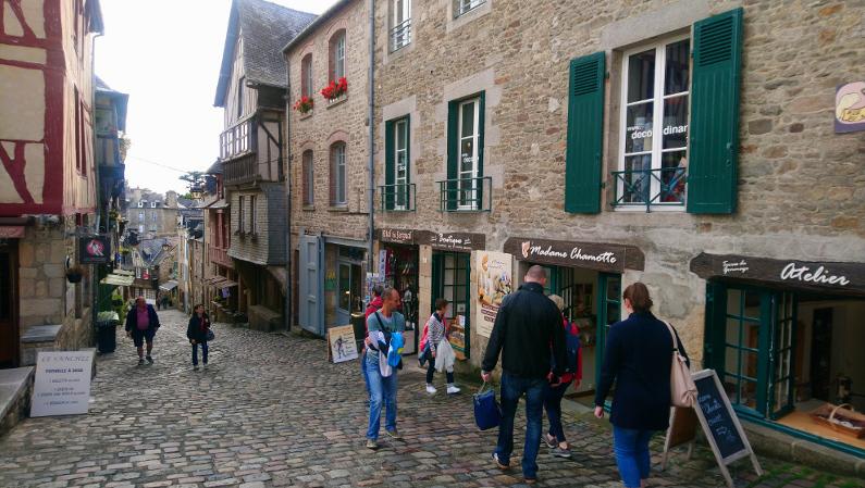rues pavées de Dinan