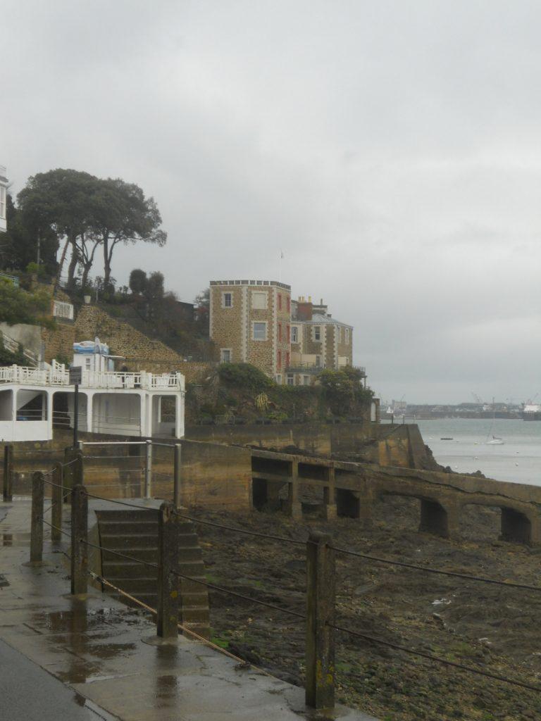 Dinard incontournable à visiter en face de Saint-malo en Bretagne