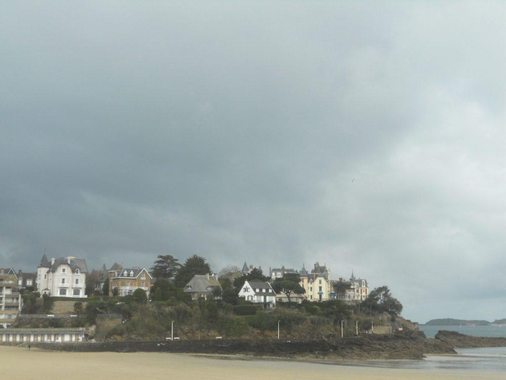 plage à voir absolument en Bretagne à Dinard